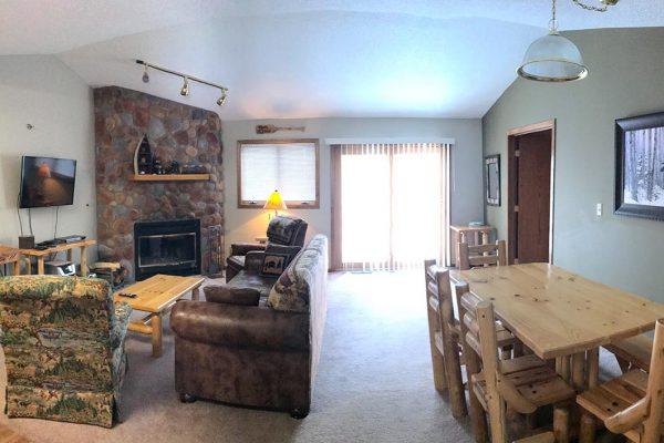 giants-ridge-villas-living-room