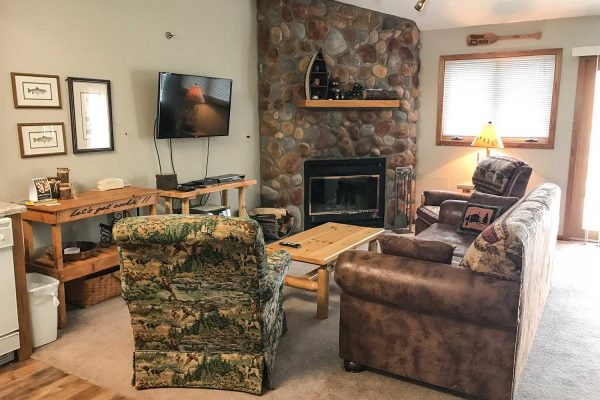 giants-ridge-villas-living-room2